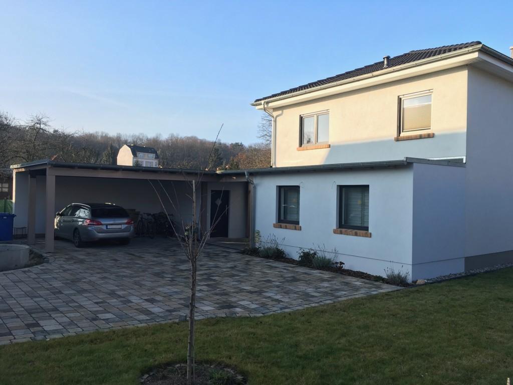 BV. Anbau an Wohnhaus mit Carport